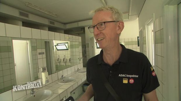 Achtung Kontrolle - Achtung Kontrolle! - Thema U.a.: Qualitätsprüfung - Adac Campingplatz-inspektor Kai Wentz
