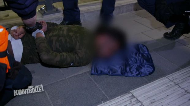 Achtung Kontrolle - Achtung Kontrolle! - Thema U.a.: Mann Beißt Db-mitarbeiter In Die Hand - Bupo München