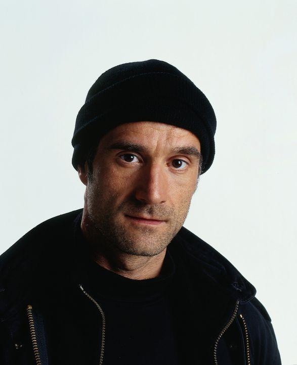 Mike McKay (Elias Koteas) wird bei einem Drogeneinsatz in Afghanistan diskreditiert und kämpft verzweifelt um Gehör, als er von einem afghanischen... - Bildquelle: Universal Studios