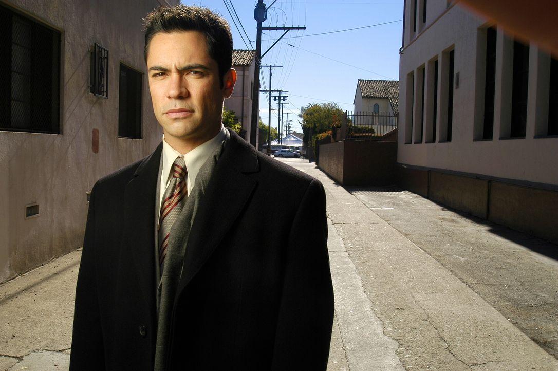 (1. Staffel) - Der aus Puerto Rico stammende Valens (Danny Pino) wird Lilly Rushs neuer Partner, nachdem Chris Lassing die Abteilung verlässt. - Bildquelle: Warner Bros. Television