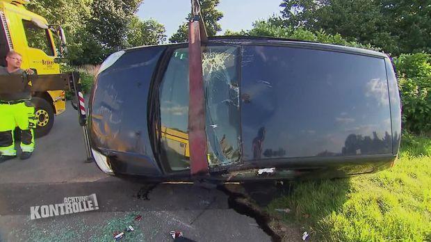 Achtung Kontrolle - Achtung Kontrolle! - Thema U.a.: Auto überschlagen, Insassen Verletzt - Abschlepper Viersen