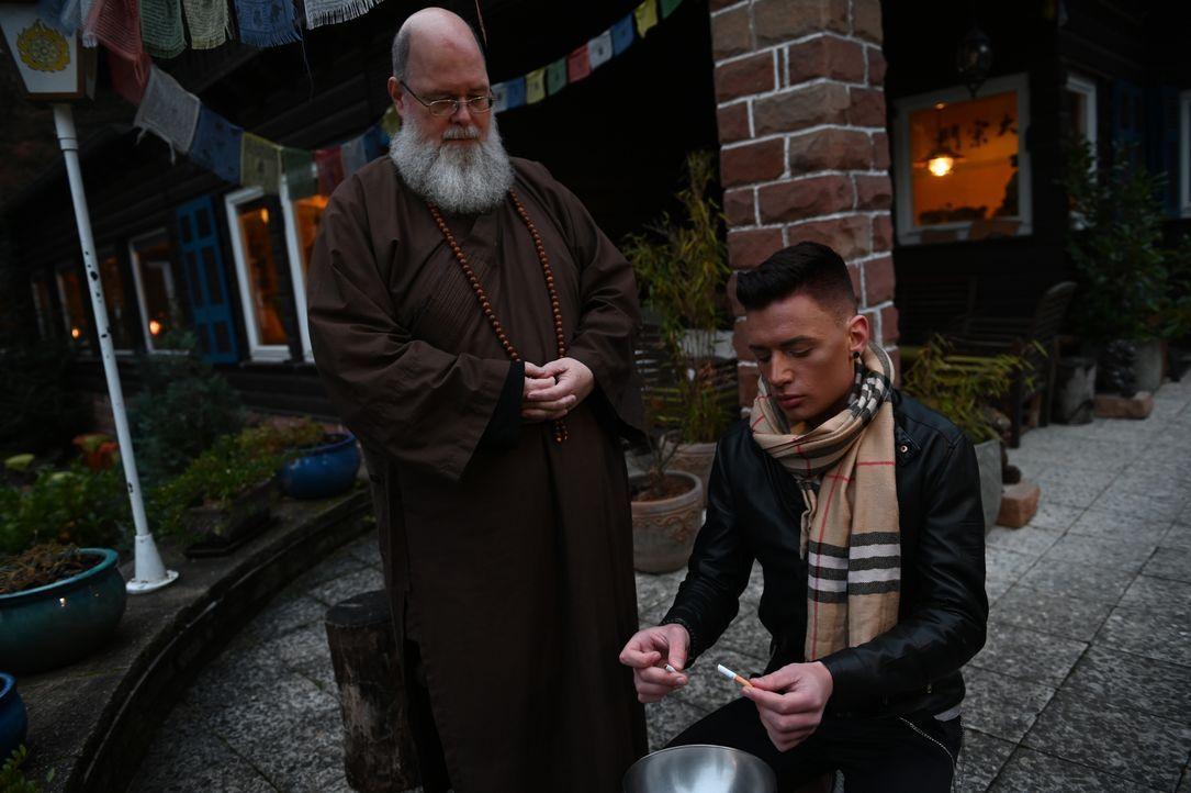 Shi Heng Zong, l.; Joshua, r. - Bildquelle: Ben Pakalski Kabel Eins / Ben Pakalski