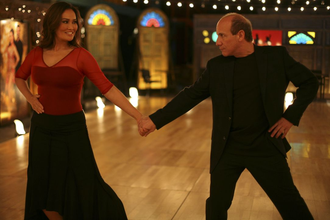 Lisa Busados (Tia Carrere, l.); Stan McQueen (Paul Ben-Victor, r.) - Bildquelle: Cathy Kanavy 2012 Universal Network Television, LLC. All Rights Reserved. / Cathy Kanavy