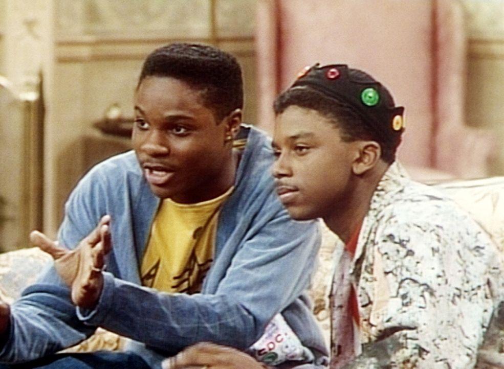 Theo (Malcolm-Jamal Warner, l.) und Cockroach (Carl Payne, r.) träumen schon von dem großen Erfolg, den ihnen der Auftritt in einer Fernsehshow ei... - Bildquelle: Viacom