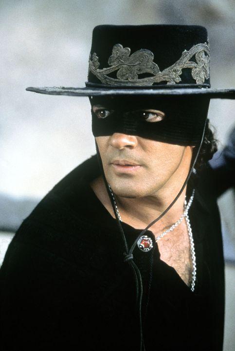 Alejandro (Antonio Banderas) kämpft gegen das Unrechtsregime des spanischen Gouverneurs Don Rafael Montero ... - Bildquelle: Columbia Pictures
