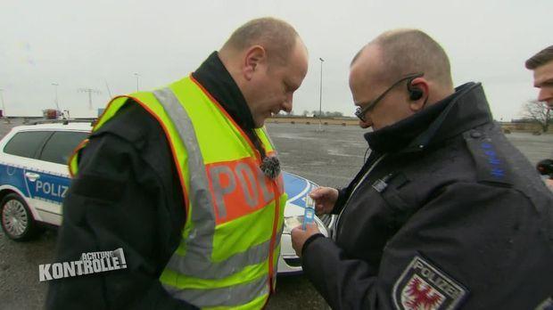 Achtung Kontrolle - Achtung Kontrolle! - Thema U.a: Bundespolizei Stoppt Verdächtigen Fahrer