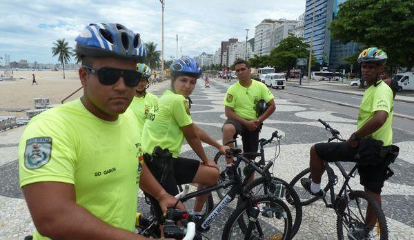 Die Touristenpolizei der Copacabana - Bildquelle: kabel eins