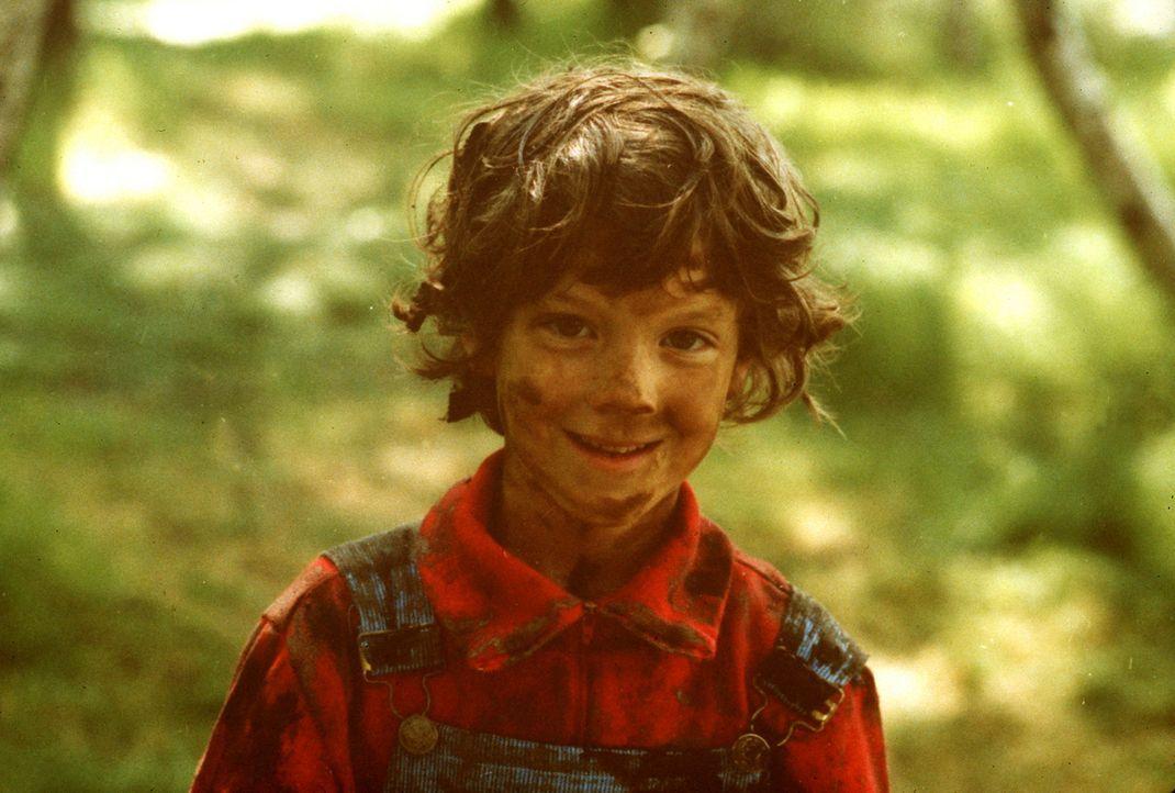 Der kleine Außerirdische Charly (Cary Guffey) ist stets zu Streichen aufgelegt - gut, dass sein Ziehvater der Sheriff des Dorfes ist ... - Bildquelle: Leone Film