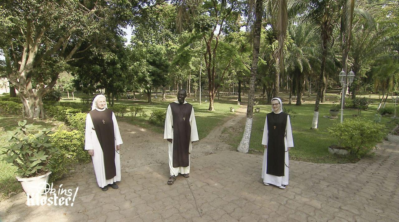 (v.l.n.r.) Schwester Mirjam; Pater Boulinkumba Joseph; Schwester Luzia - Bildquelle: Kabel Eins