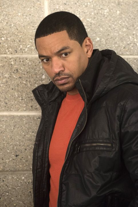 Geht auf Mörderjagd: Billy (Laz Alonso) ... - Bildquelle: Warner Bros. Entertainment, Inc.