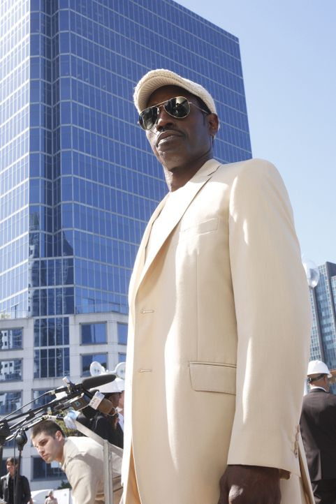 Nach seinem vorgetäuschten Tod in den Straßen New Yorks baut sich Agent Neil Shaw (Wesley Snipes) eine neue Existenz als Bodyguard und Setberater de... - Bildquelle: 2008 Operation Eagle Productions Inc. All Rights Reserved.