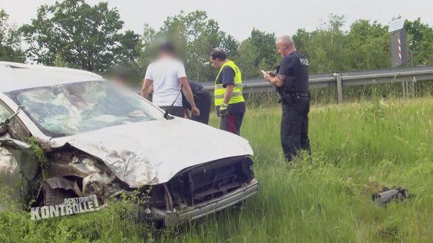 Achtung Kontrolle - Achtung Kontrolle! - Thema U.a.: Bundespolizei Hilft Bei Schwerem Autounfall
