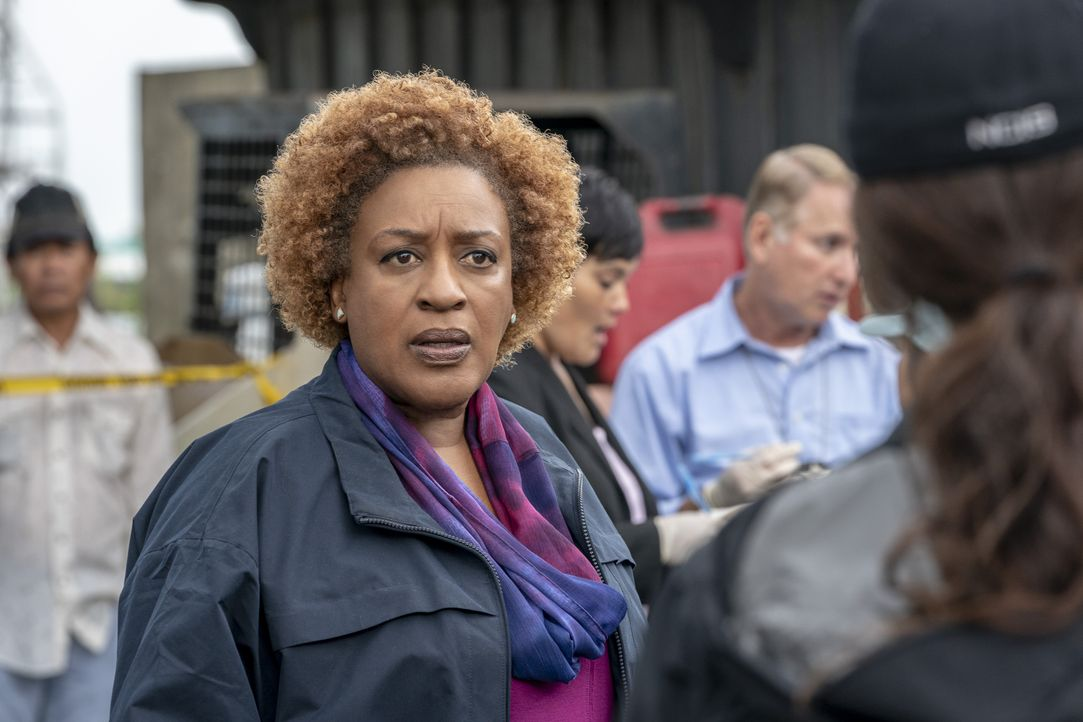 Loretta Wade (CCH Pounder) - Bildquelle: Skip Bolen 2018 CBS Broadcasting, Inc. All Rights Reserved. / Skip Bolen