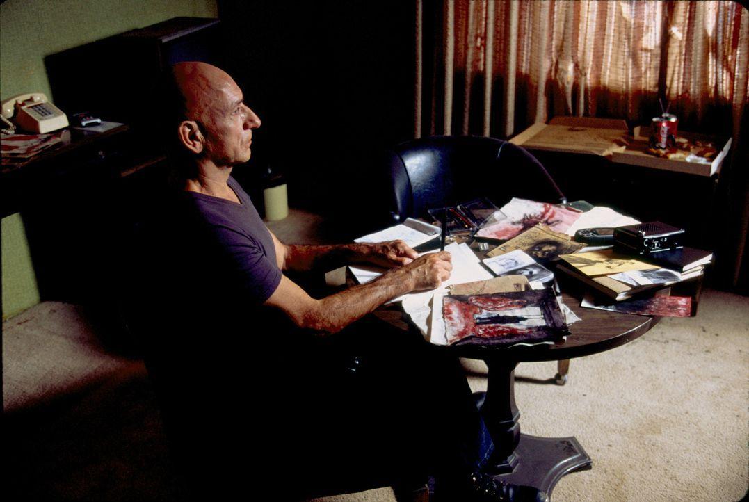 Ex-FBI-Mann Benjamin O´Ryan (Ben Kingsley) hat es auf einen Killer abgesehen, auf dessen Kappe mehr als 100 Morde gehen ... - Bildquelle: 2006 Sony Pictures Television International