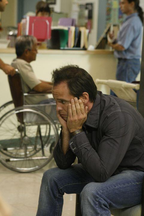 Shane (Walton Goggins) hofft, dass er und seine Familie das Krankenhaus schnell und unbeobachtet wieder verlassen können ... - Bildquelle: 2007 Twentieth Century Fox Film Corporation. All Rights Reserved.
