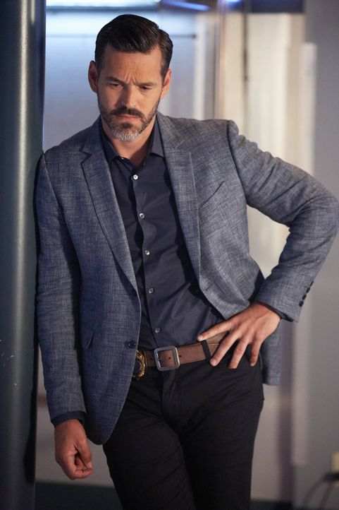 Will Captain Ryan Slade (Eddie Cibrian) seinen Vorgänger mitten in die Scheiße reinreiten? - Bildquelle: 2016-2017 Fox and its related entities. All rights reserved.