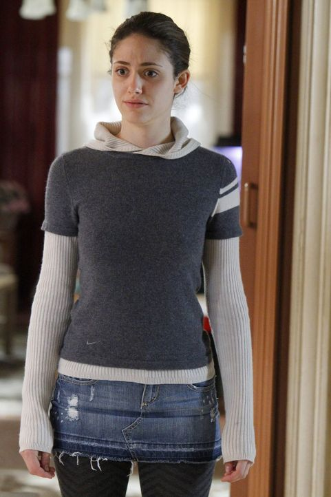 Schmerzlich muss Fiona (Emmy Rossum) feststellen, dass ihr Vater nicht nur im Suff eine Gefahr für alles und jeden ist ... - Bildquelle: 2010 Warner Brothers