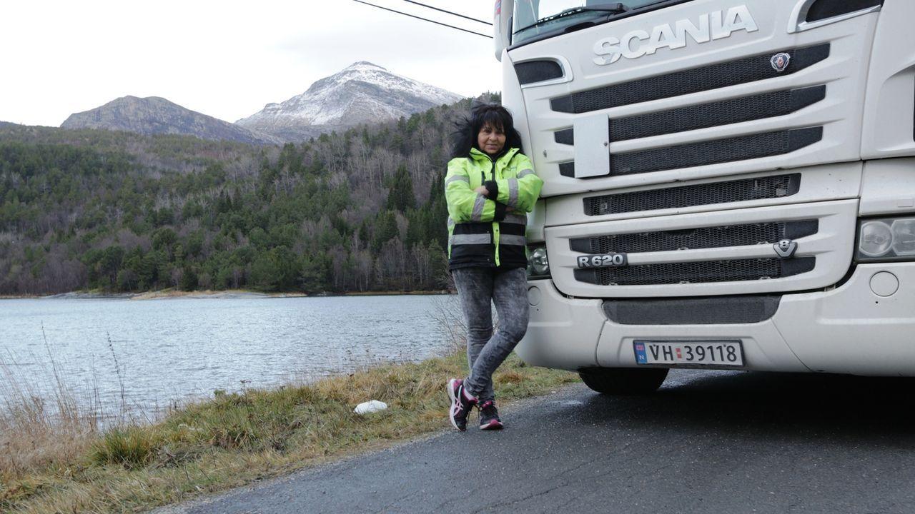 Truckerin Annette weiß sich durchzusetzen und genießt die Freiheiten, die ihr Job als Truckerin mit sich bringt ... - Bildquelle: kabel eins