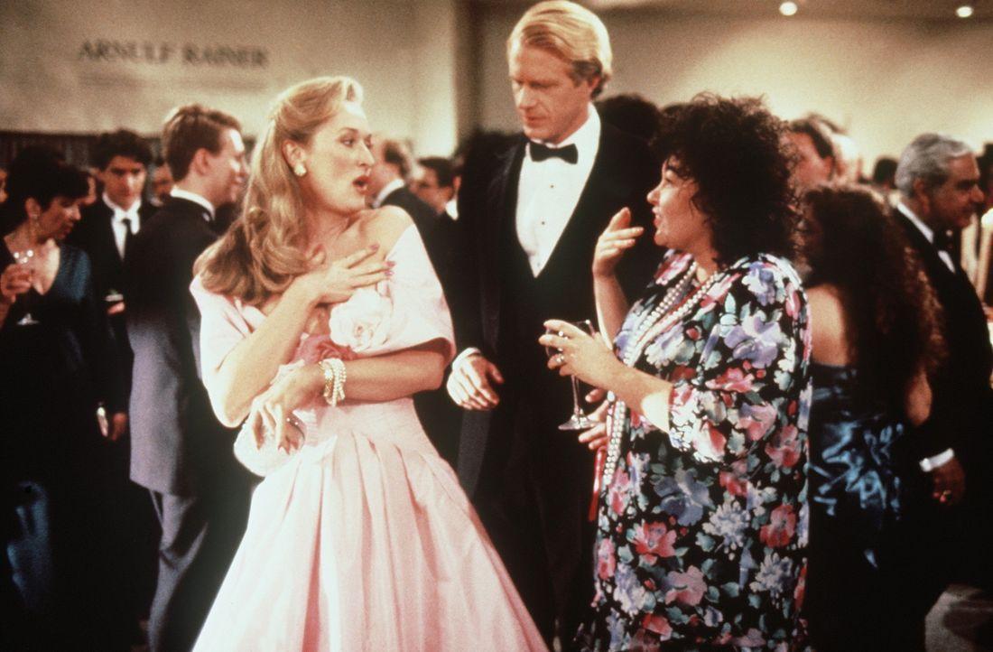 Der gutaussehende und erfolgreiche Bob (Ed Begley jr., M.) verlässt seine hässliche und dicke Frau Ruth (Roseanne Barr, r.) für die blasierte und... - Bildquelle: 20th Century Fox