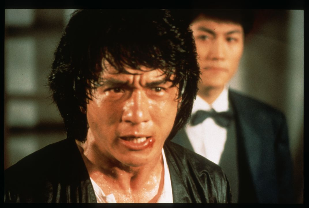 Sergeant Dragon Ma Yue Lung (Jackie Chan, l.) - Bildquelle: 1987 Paragon Films Ltd.