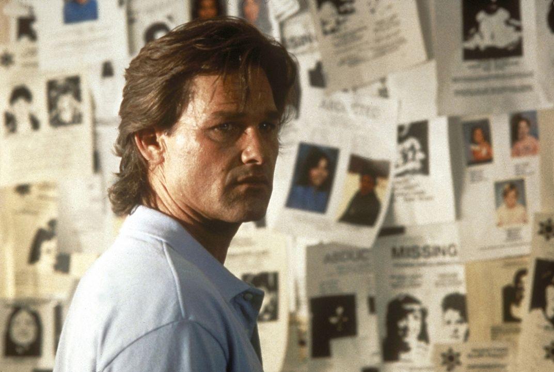 Auf der Suche nach seiner Frau entdeckt Jeff (Kurt Russell), dass schon viele Menschen in dieser Umgebung verschwunden sind. Was hat das zu bedeuten? - Bildquelle: Paramount Pictures