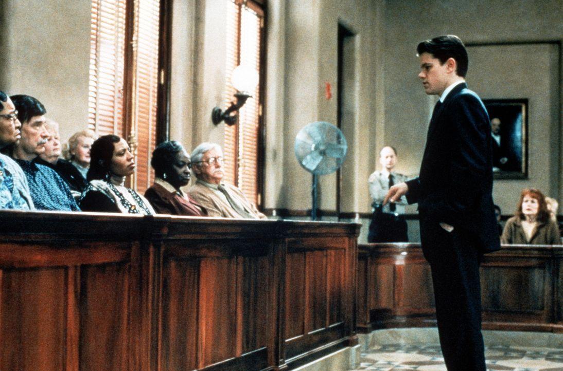 Hält ein flammendes Plädoyer: der junge Anwalt Rudy Baylor (Matt Damon, r.) ... - Bildquelle: Paramount Pictures