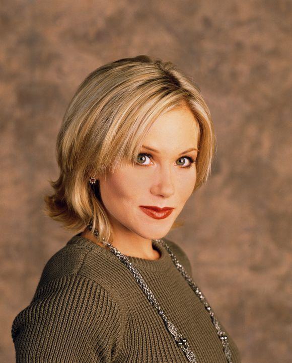 (11. Staffel) - Naivität und Dummheit in einem Menschen vereint: Kelly Bundy (Christina Applegate) ... - Bildquelle: 1996, 1997 ELP Communications. All Rights Reserved.