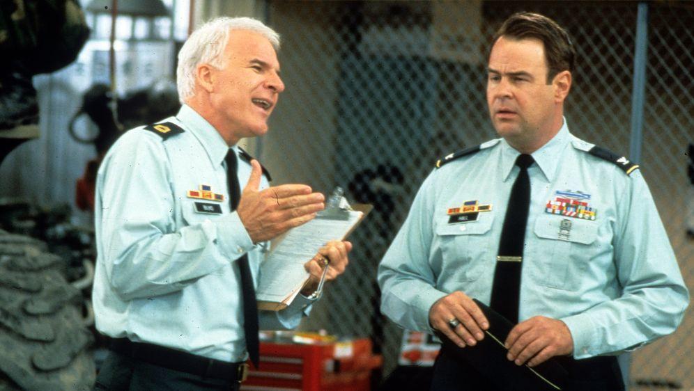 Immer Ärger mit Sgt. Bilko - Bildquelle: 1996 Universal City Studios Inc. All rights reserved.
