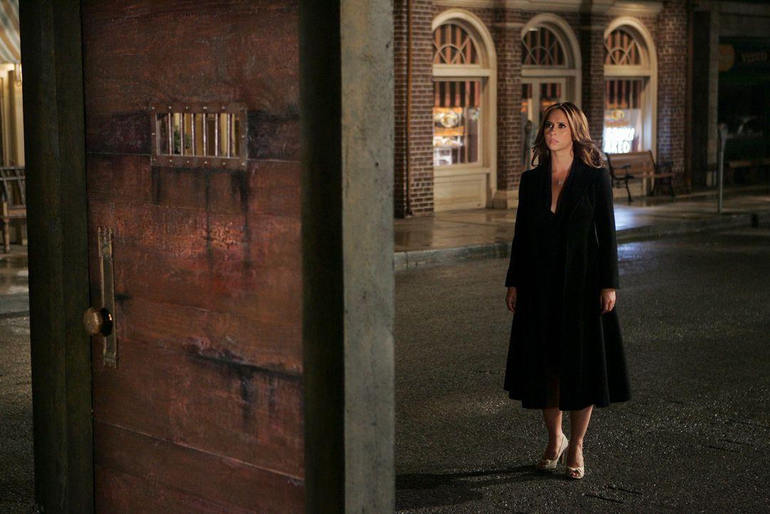 Eine seltsame Tür steht plötzlich vor Melinda (Jennifer Love Hewitt) ... - Bildquelle: ABC Studios