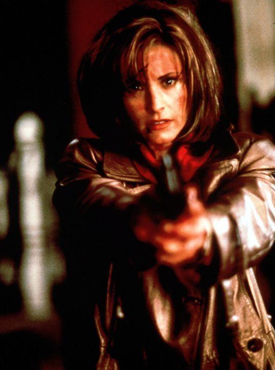 In dem friedlichen Städtchen Woodsboro geht ein geheimnisvoller, maskierter Mörder um. Die Bevölkerung ist wie gelähmt vor Angst, doch für die... - Bildquelle: Dimension Films