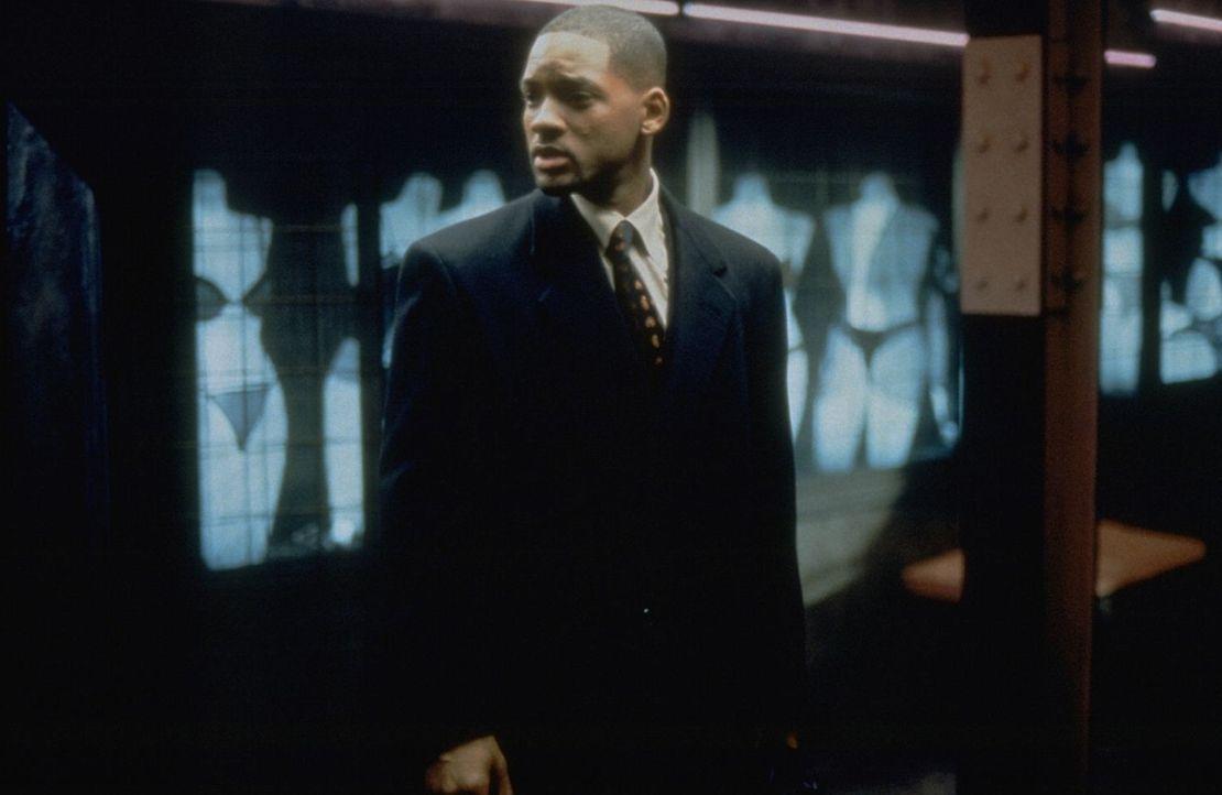 Auf der Flucht vor Agenten des Geheimdienstes steckt ein Fremder dem erfolgreichen Anwalt Robert Clayton Dean (Will Smith) ein gefährliches Video z... - Bildquelle: Buena Vista Pictures