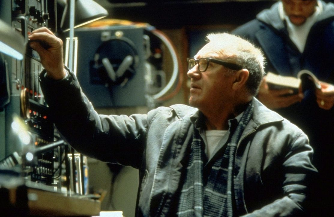 Als Deans Leben schon fast völlig ruiniert ist, macht er die Bekanntschaft des Ex-NSA-Agenten Brill (Gene Hackman). Gemeinsam drehen sie den Spieß... - Bildquelle: Buena Vista Pictures