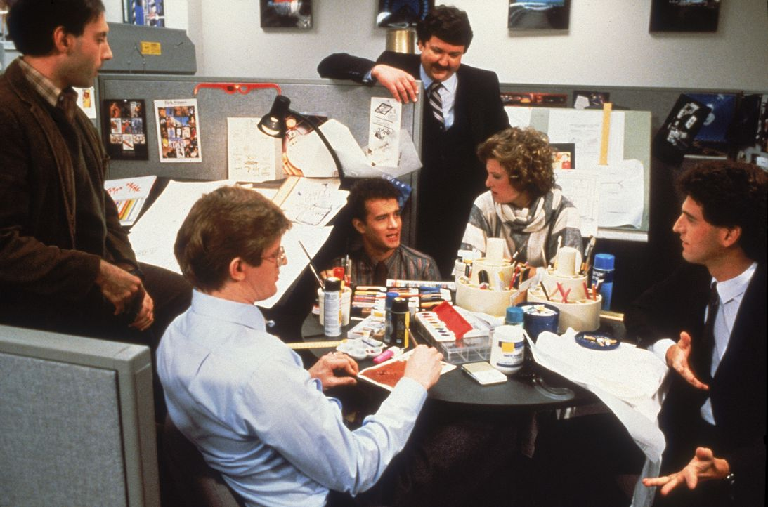 Hat nur seine Karriere im Kopf - bis er sich plötzlich um seinen Vater kümmern muss: Manager David Basner (Tom Hanks, 3.v.l.) ... - Bildquelle: 1986 TriStar Pictures, Inc. All Rights Reserved.