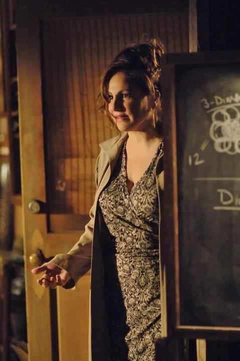 Charlie vermutet, dass Dr. Mildred French (Kathy Najimy) und sein Vater eine Beziehung haben ... - Bildquelle: Paramount Network Television