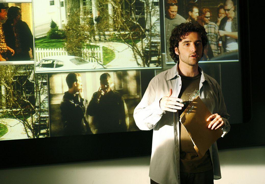 """Mit Charlies (David Krumholtz) Hilfe gelingt es dem Team, das Versteck der rassistischen Gruppe """"American Front"""" ausfindig zu machen. - Bildquelle: Paramount Network Television"""