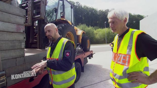 Achtung Kontrolle - Achtung Kontrolle! - Thema U. A.: Zu Schwerer Brummi - Lkw Großkontrolle Osnabrück