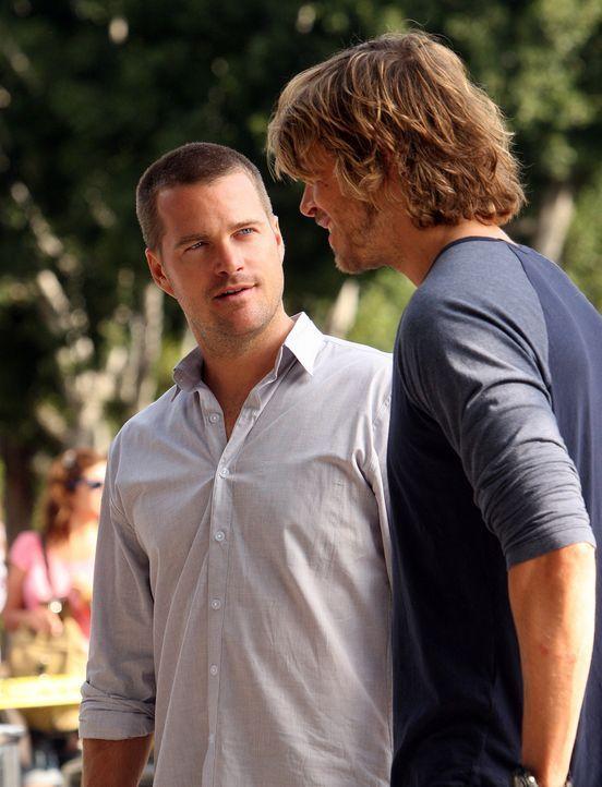 Ermitteln in einem neuen Fall: Callen (Chris O'Donnell, l.) und Deeks (Eric Christian Olsen, r.) ... - Bildquelle: CBS Studios Inc. All Rights Reserved.