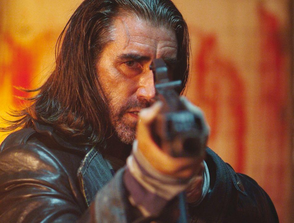 Gene (John Lynch) hat sein nächstes Opfer im Visier ... - Bildquelle: Ascot Elite Film
