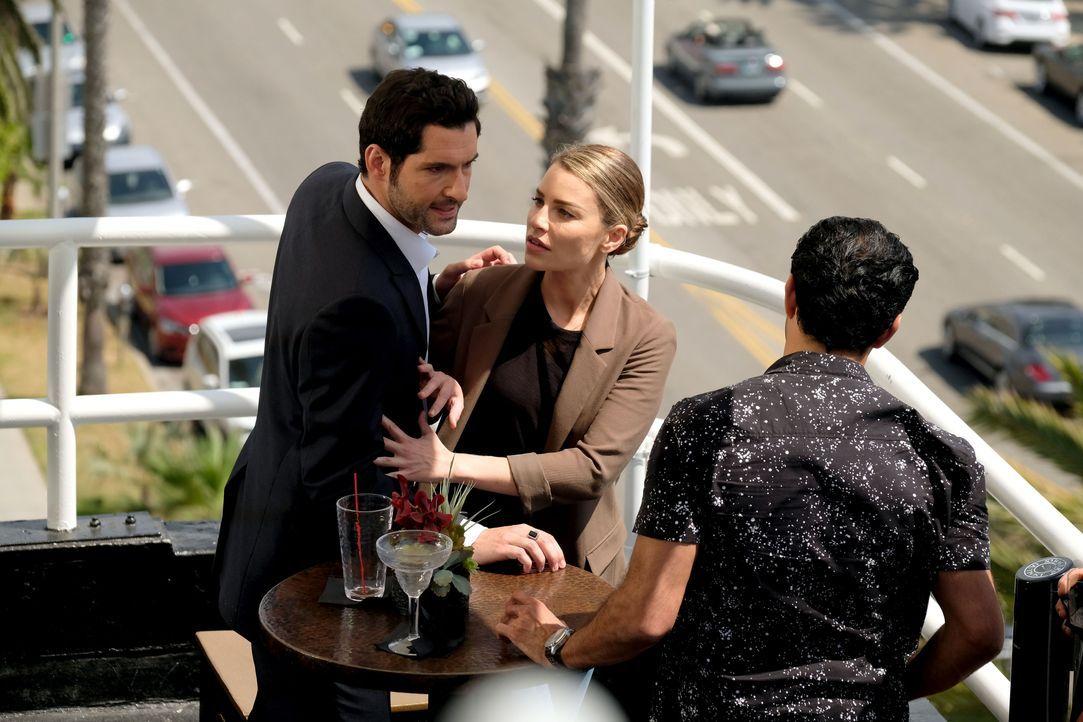 Lucifer (Tom Ellis, l.); Chloe (Lauren German, M.) - Bildquelle: 2017 Fox Broadcasting Co.