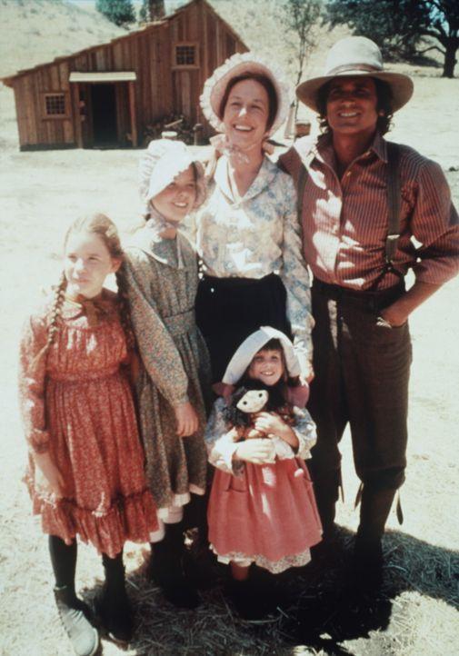 Solange die Familie zusammenhält, kann nichts wirklich schiefgehen: (v.l.n.r.) Laura (Melissa Gilbert), Mary (Melissa Sue Anderson), Caroline (Kare... - Bildquelle: Worldvision