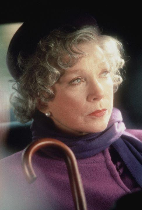 Die Witwe Tess Carlisle (Shirley MacLaine) lässt sich nur äußerst ungern Vorschriften machen ... - Bildquelle: TriStar Pictures