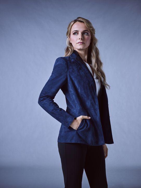 (1.Staffel) - Lizzie Needham (Bojana Novakovic) ermittelt als NYPD Detective Kriminalfälle in New York ... - Bildquelle: James Dimmock 2017 CBS Broadcasting Inc. All Rights Reserved. / James Dimmock