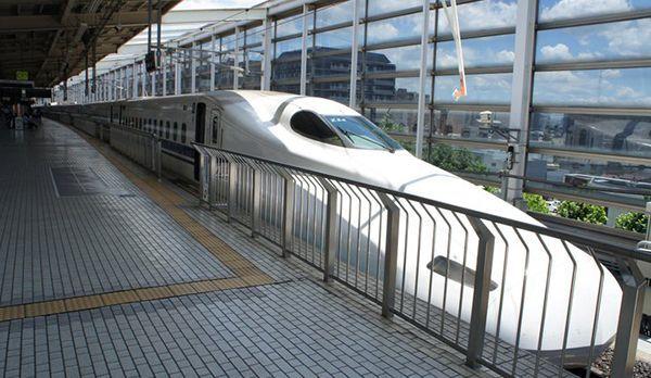 Shinkansen - Bildquelle: Valentina Resetarits