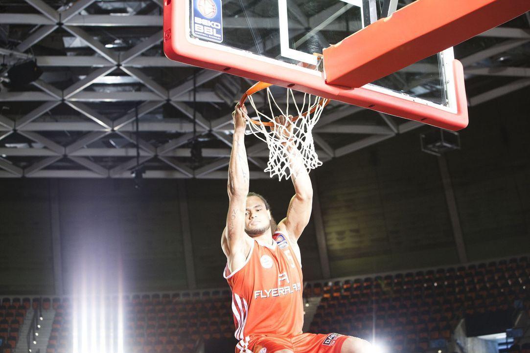 """Protagonist im kabel eins Trailer """"ran Basketball"""": FCB Basketballstar Chevon Troutman ... - Bildquelle: Benedikt Müller kabel eins"""