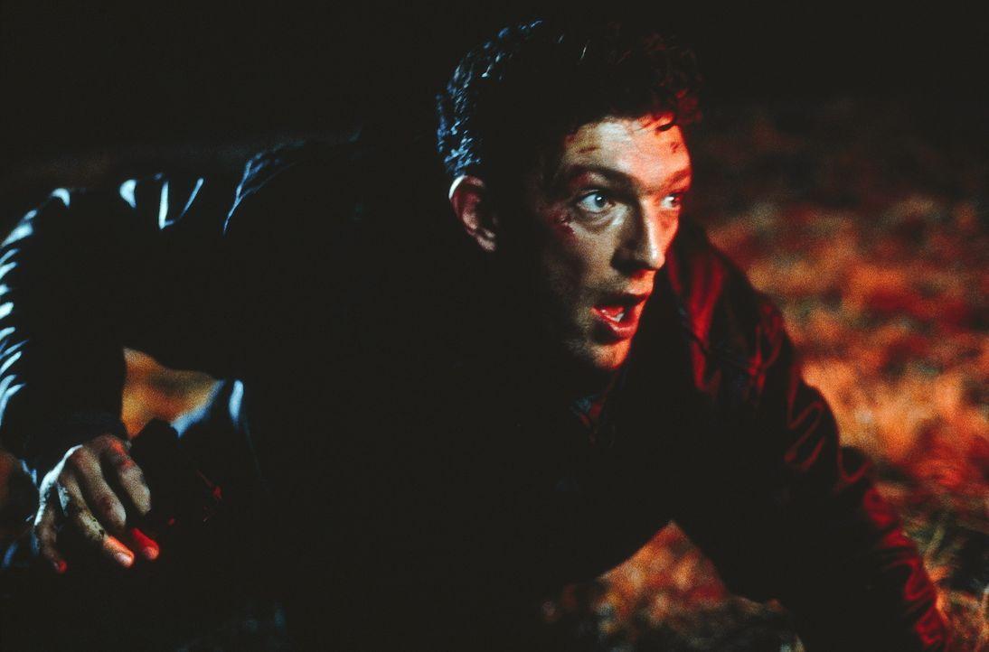 Auf der Suche nach dem geisteskranken Mörder, muss der junge Polizist Max Kerkerian (Vincent Cassel) an die grenzen seiner Belastbarkeit gehen ... - Bildquelle: TOBIS STUDIO CANAL GMBH&CO.KG