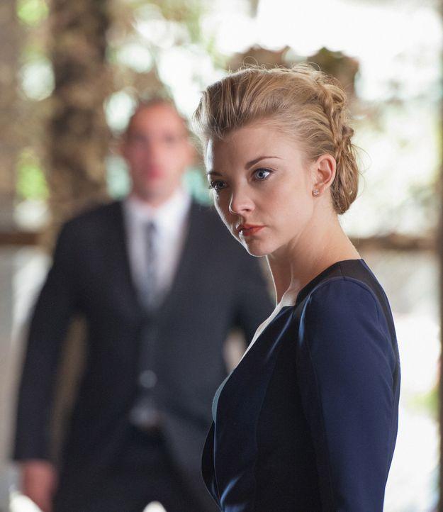 Wird Irenes alias Moriartys (Natalie Dormer) Plan aufgehen? - Bildquelle: CBS Television
