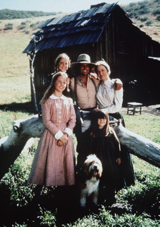 (v.l.n.r.) Die Familie Ingalls, Mary (Melissa Sue Anderson), Laura (Melissa Gilbert), Charles (Michael Landon), Carrie (Lindsay Sidney Greenbush) un... - Bildquelle: Worldvision