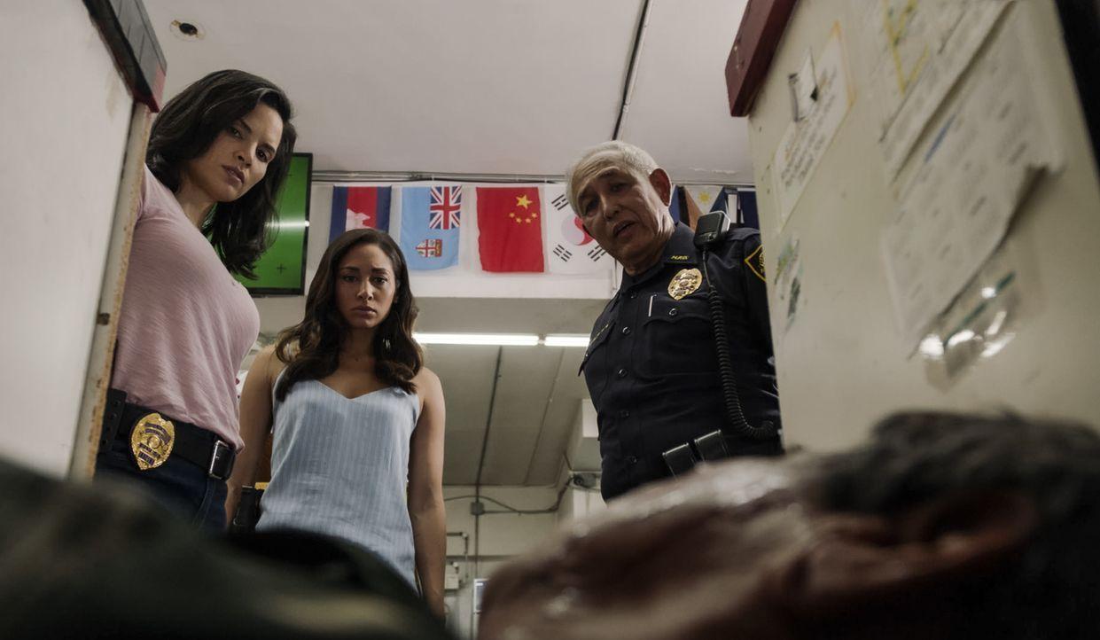 (v.l.n.r.) Quinn Liu (Katrina Law); Tani Rey (Meaghan Rath); Sgt. Duke Lukela (Dennis Chun) - Bildquelle: 2019 CBS Broadcasting, Inc. All Rights Reserved.