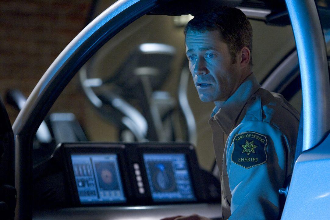 Jack (Colin Ferguson) hat alle Hände voll zu tun, denn ausgerechnet jetzt, wo die alljährlich stattfindende Wissenschaftsausstellung jede Menge Leut... - Bildquelle: Universal Television
