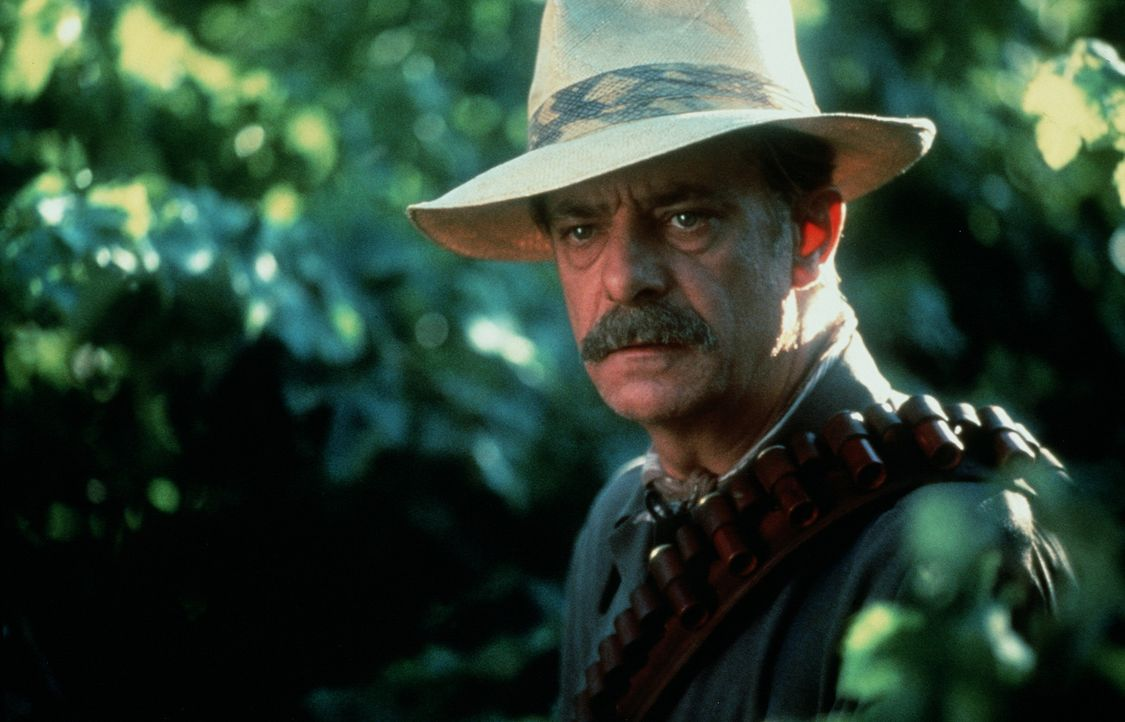 Alberto Aragón (Giancarlo Giannini) besteht darauf, dass alle Familienmitglieder seinen Moralkodex beherzigen. Doch dann wird seine unverheiratete... - Bildquelle: 20th Century Fox